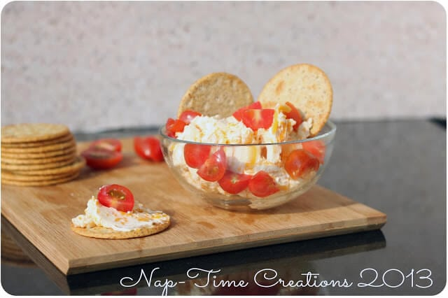 easy appetizer Garlic Cheese Dip