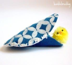 DIY-Blue-faux-Suede-Egg-Pockets-6