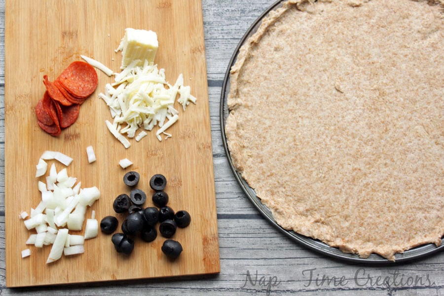 Whole grain pizza crust