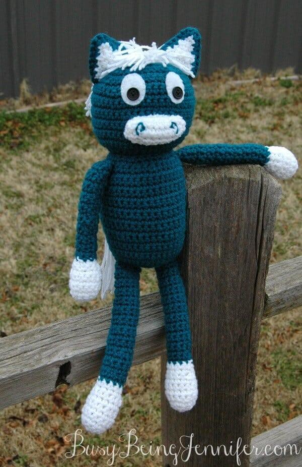Crocheted-Horse-by-BusyBeingJennifer.com_