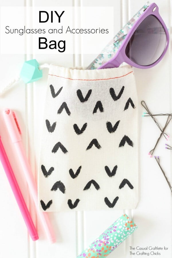 DIY-Sunglasses-and-Accessories-Bag-great-for-on-the-go-or-in-the-car
