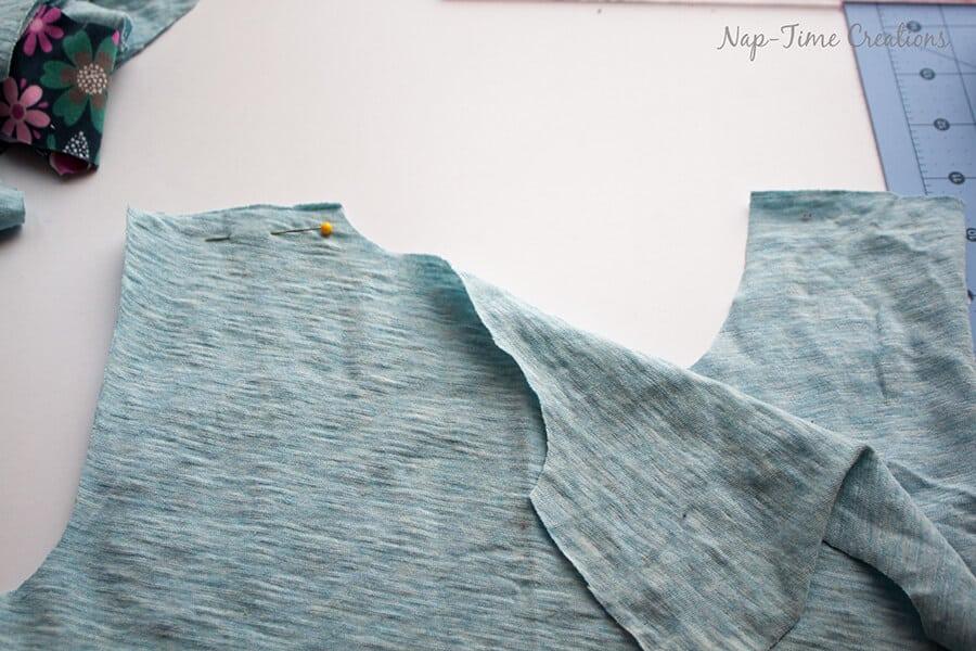 Girls Free T-Shirt Pattern Short-Long Sleeve tutorial7