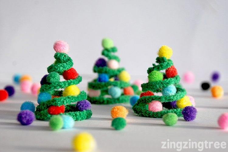 Pipe-Cleaner-Christmas-Trees1