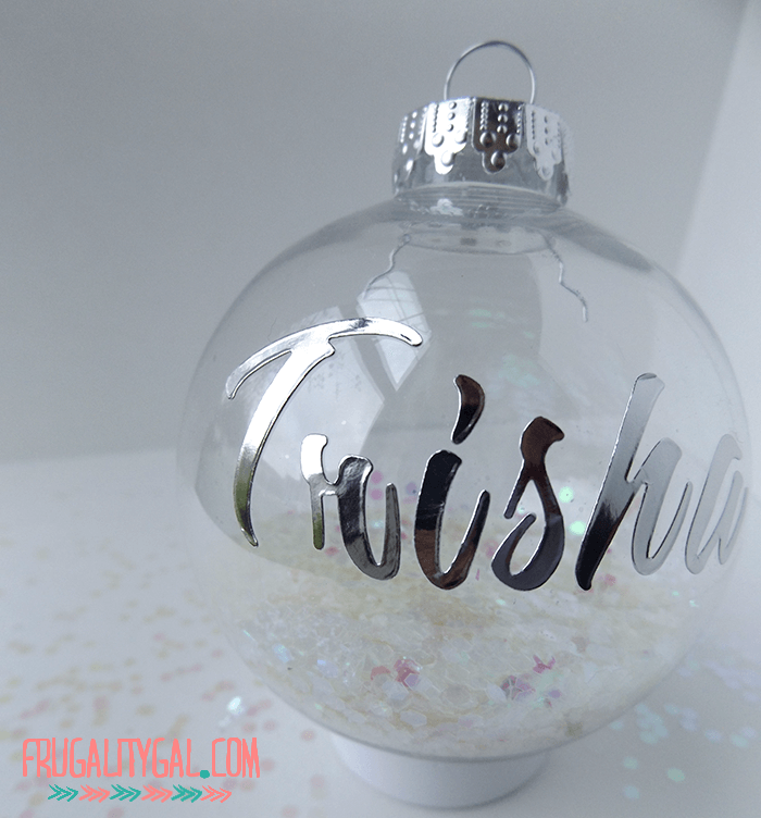 diy-glitter-ornaments-2
