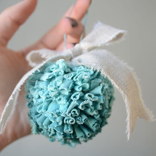 isly-christmas-jersey-pom-pom-ornament-tutorial-2