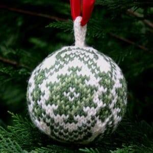 kilim-christmas-ball