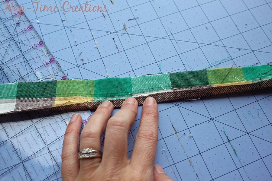 geometic fabric baby blanket tutorial 5