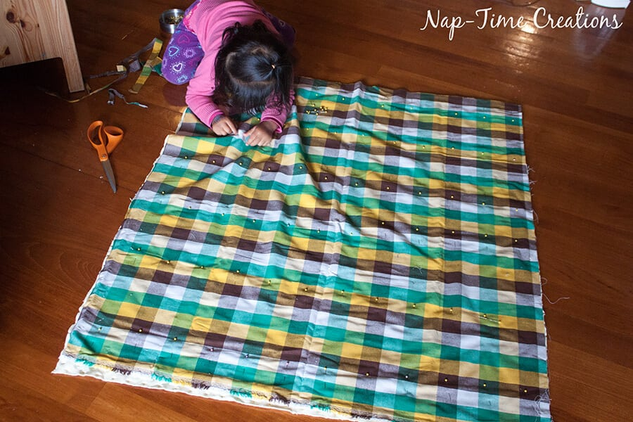 geometic fabric baby blanket tutorial