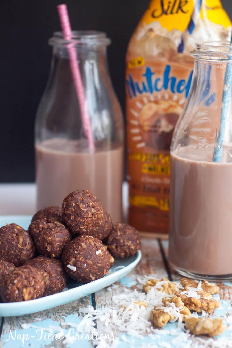 Dark-Chocolate-and-Walnut-Energy-Bites---No-Bake-6
