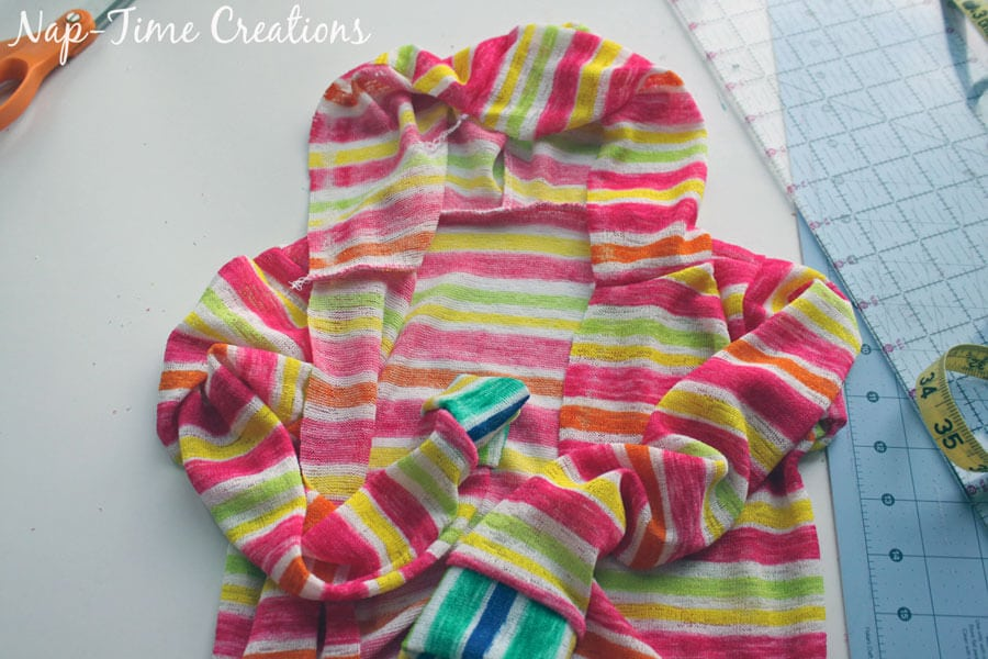 Hooded-T-Shirt-Free-Pattern-for-Kids-10