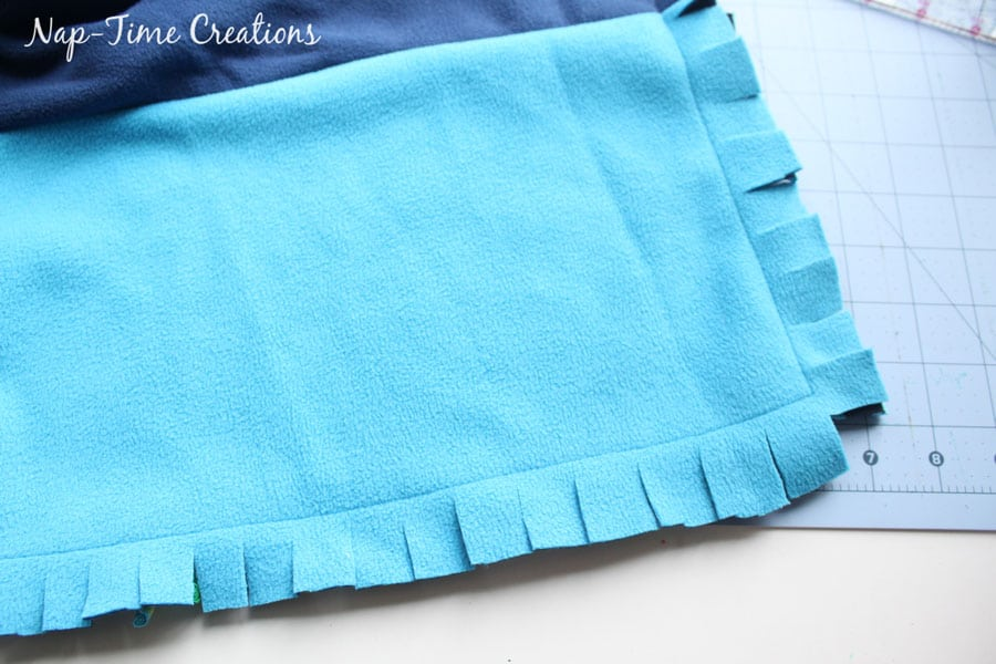 snuggly-baby-blanket-tutorial-10