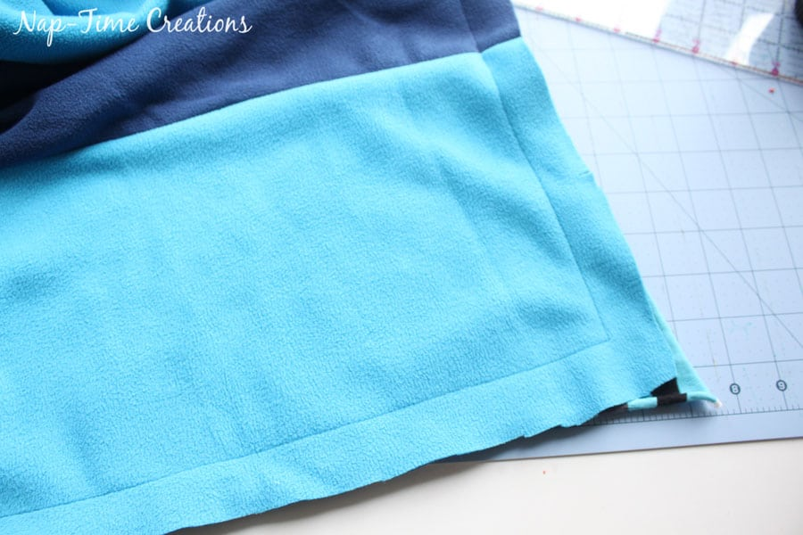 snuggly-baby-blanket-tutorial-11
