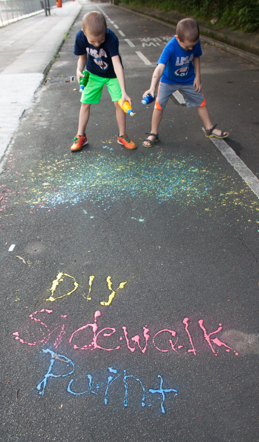 DIY-Sidwalk-Paint-Shooters-outside-kids-fun-for-summer-from-Nap-Time-Creations-