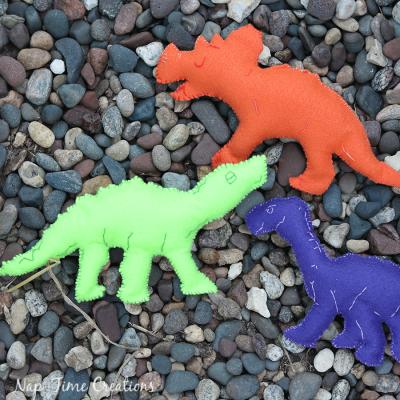 Felt Dinosaurs Template and FUN!
