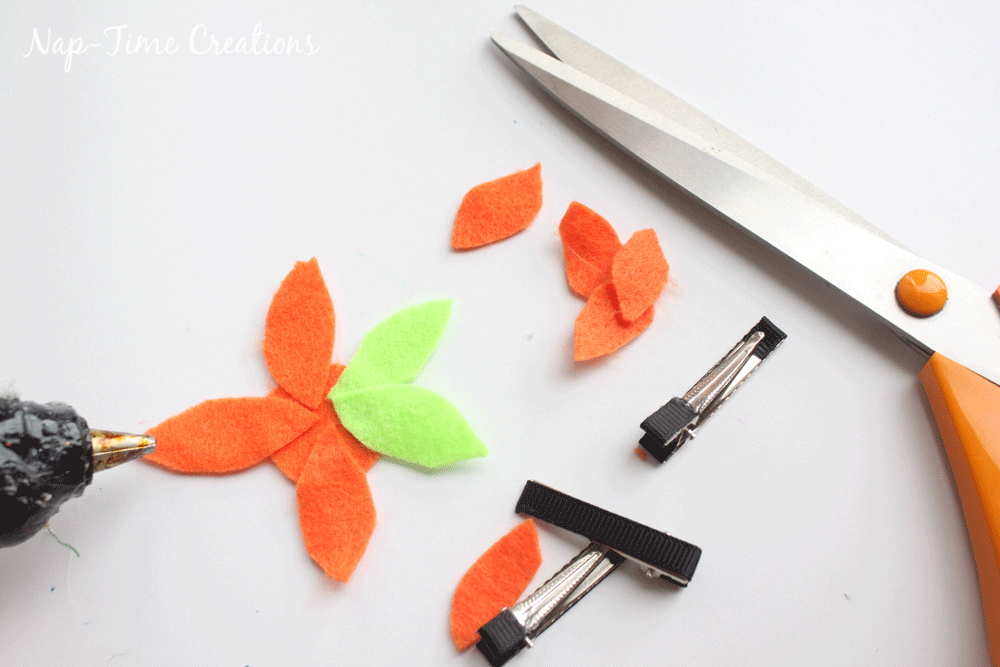 felt-flower-hair-clip-DIY-10