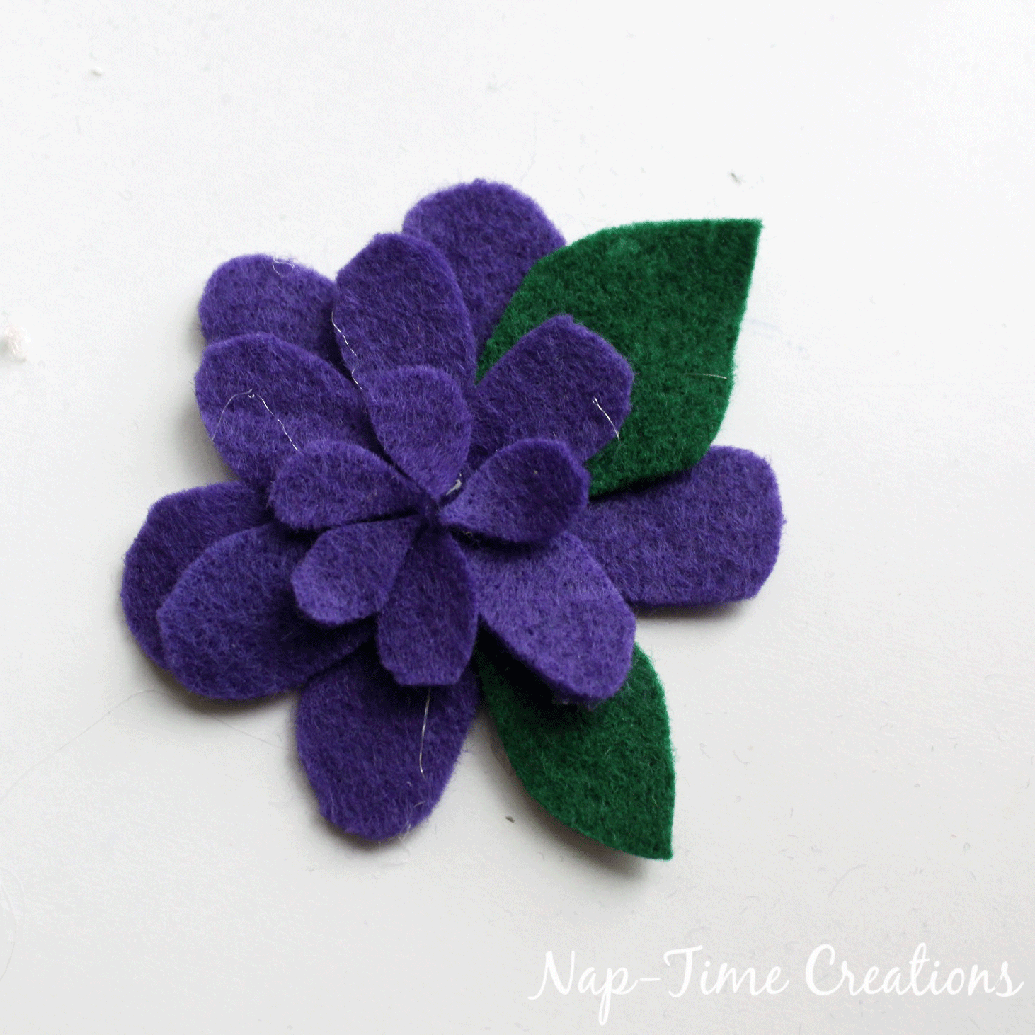 felt-flower-hair-clip-DIY-4