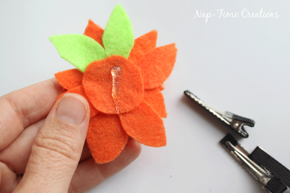 felt-flower-hair-clip-DIY-6