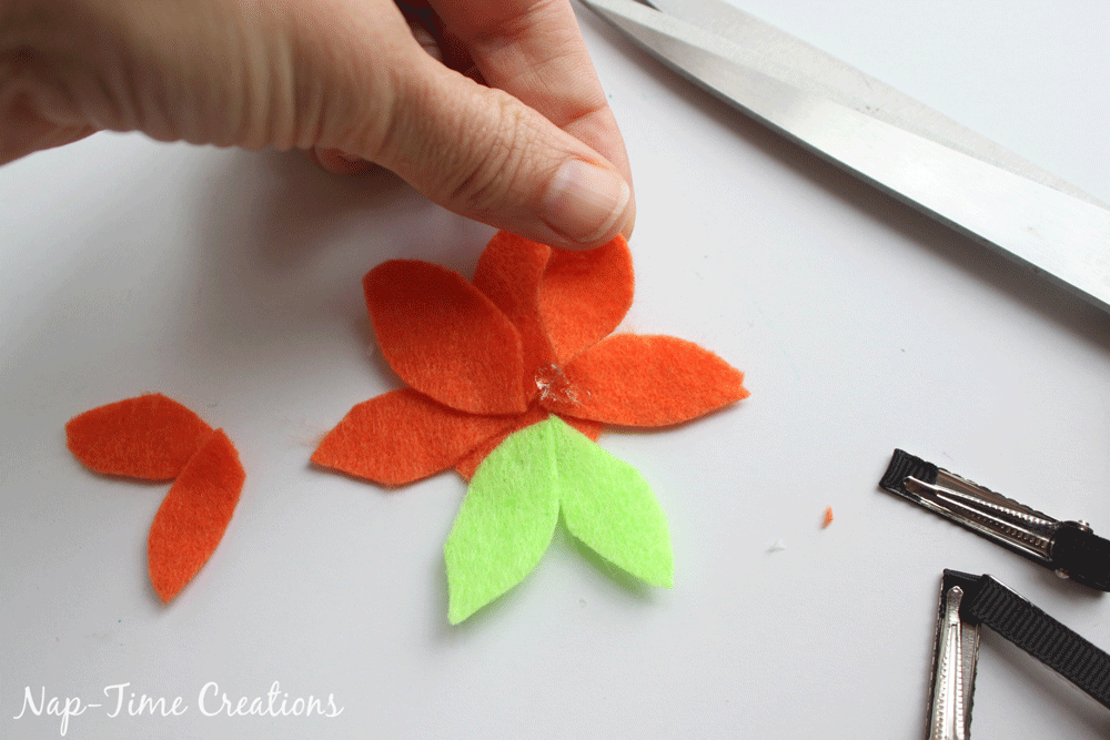 felt-flower-hair-clip-DIY-9
