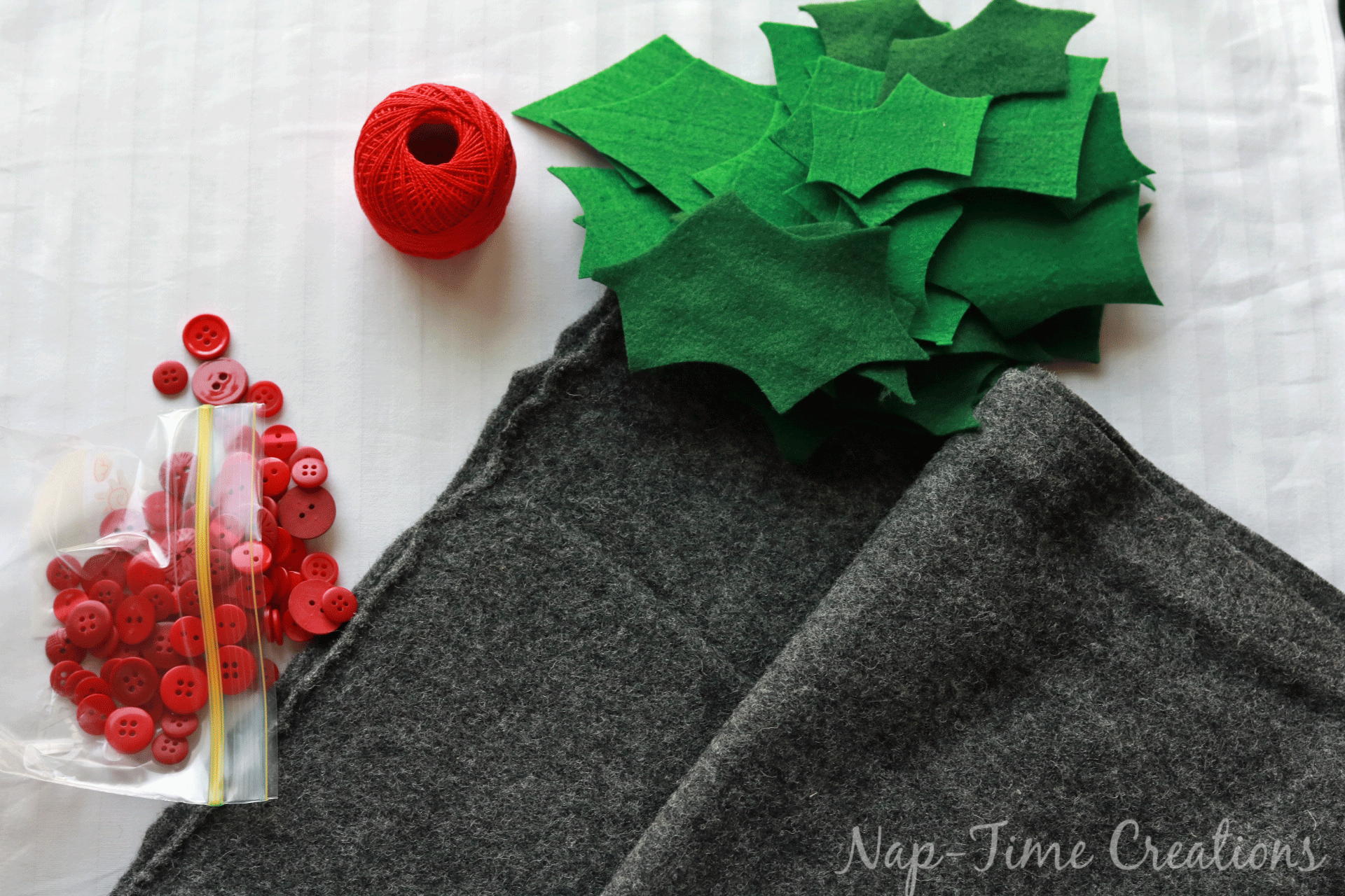 christmas-felt-table-runner