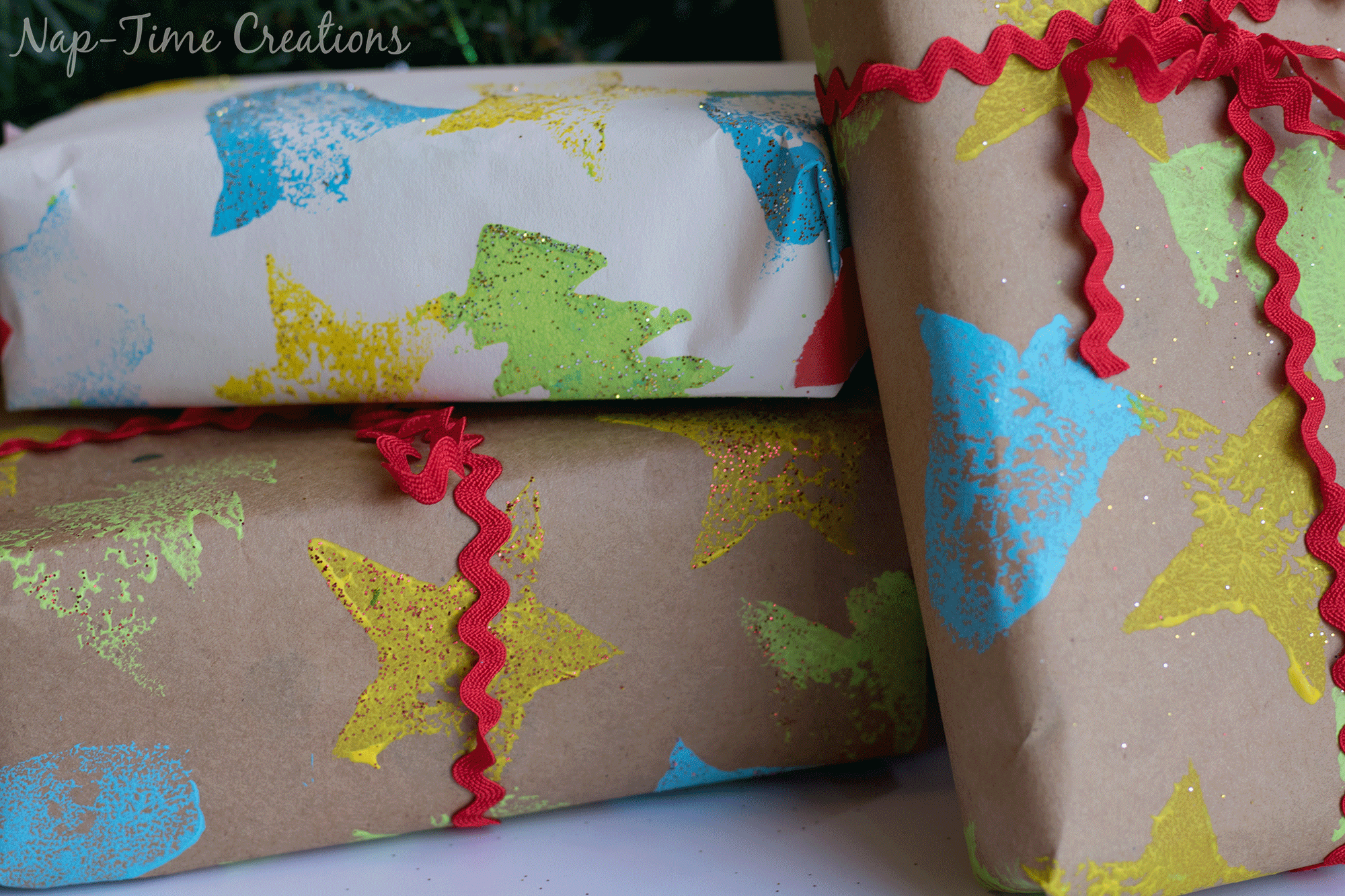 diy-felt-stamps-and-homemade-christmas-wrapping-paper-1