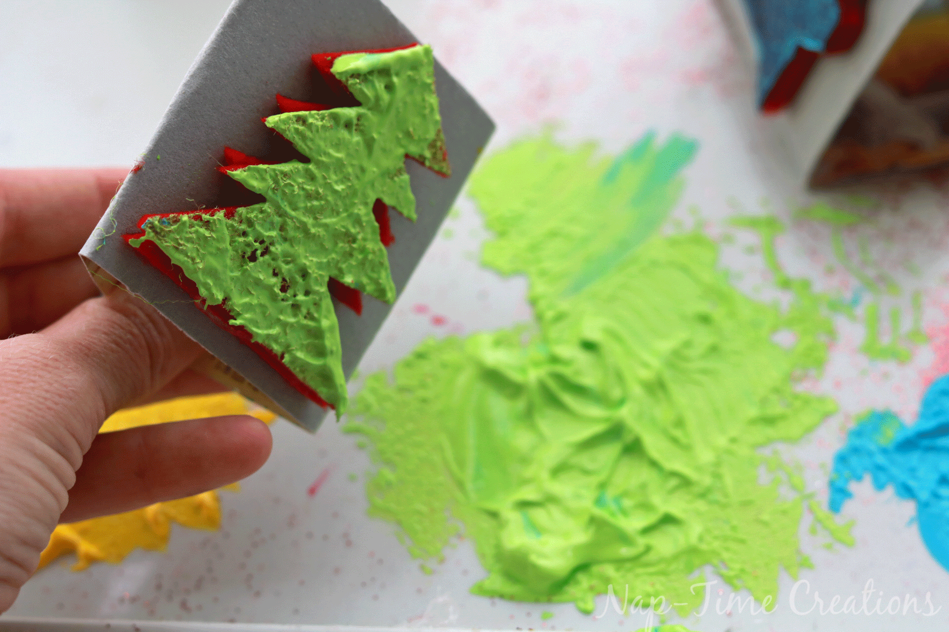 diy-felt-stamps-and-homemade-christmas-wrapping-paper-11
