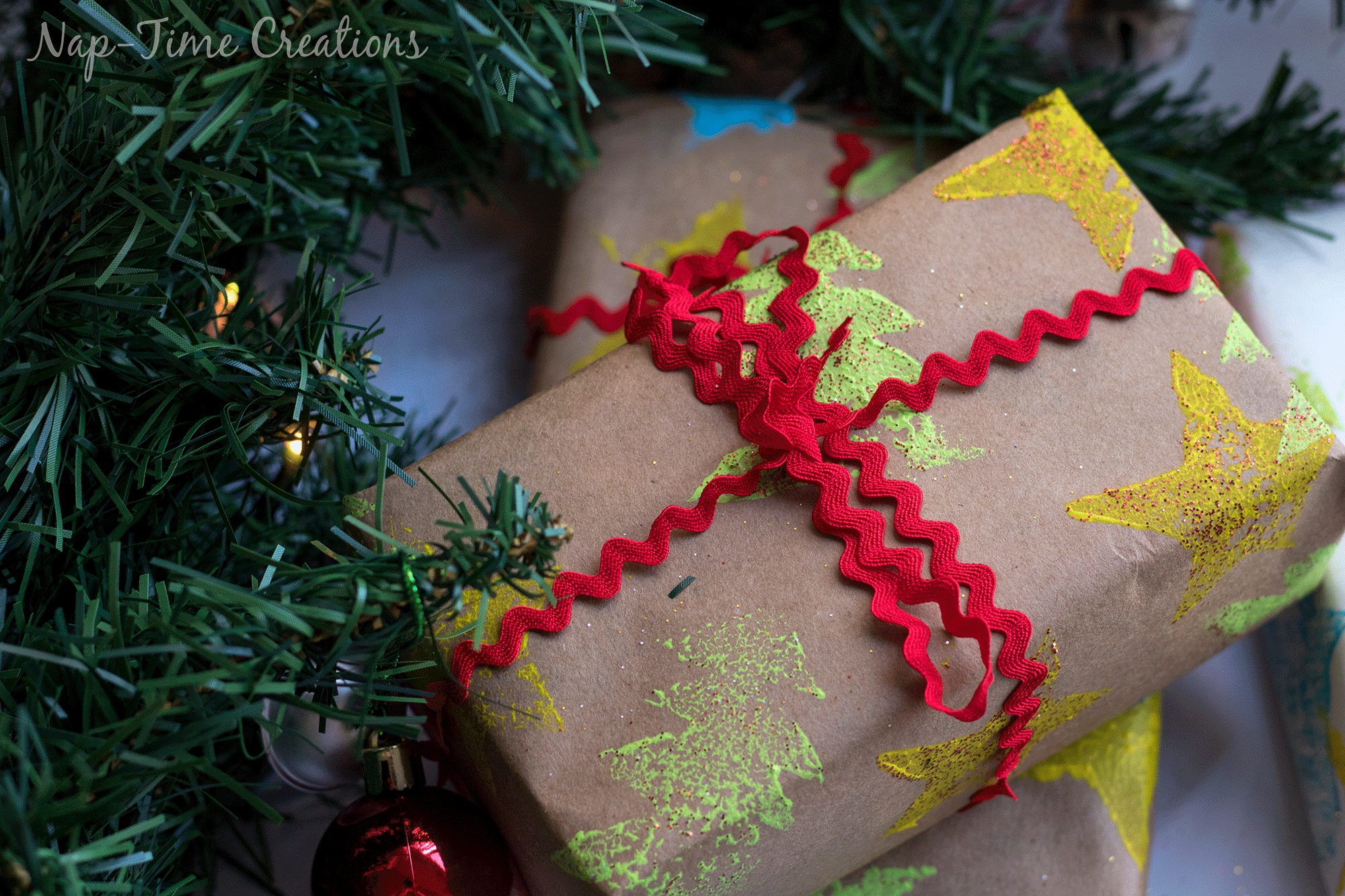 diy-felt-stamps-and-homemade-christmas-wrapping-paper-3