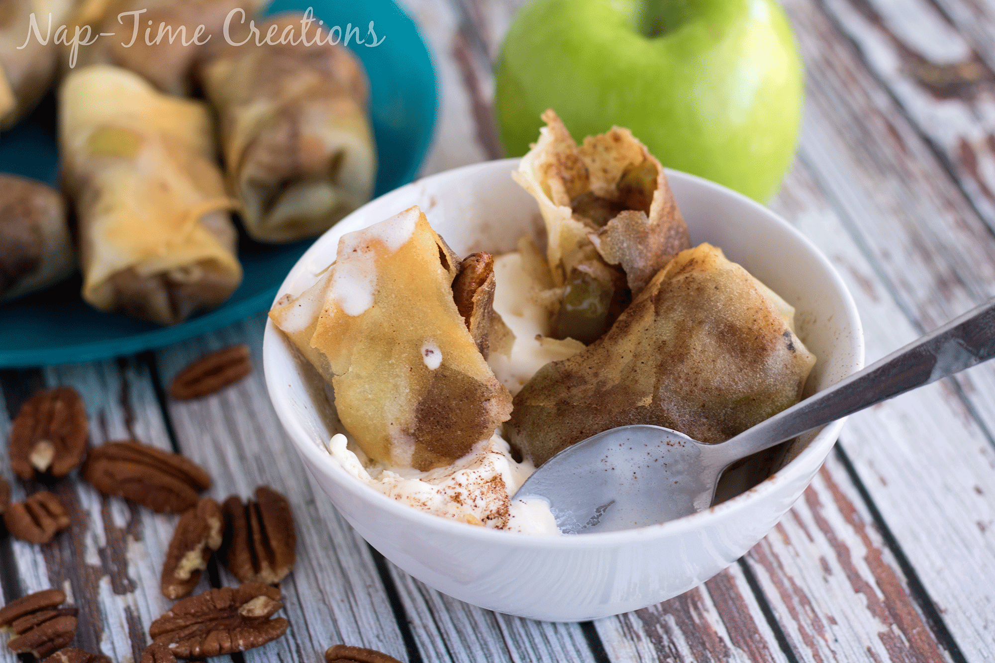 caramel-apple-pecan-rolls-recipes-1