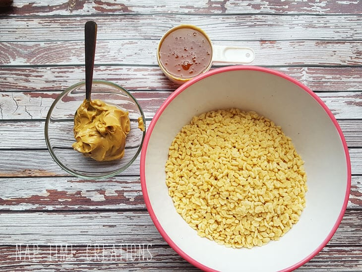 healthy-rice-crispie-treats-with-honey-from-Nap-Time-Creations