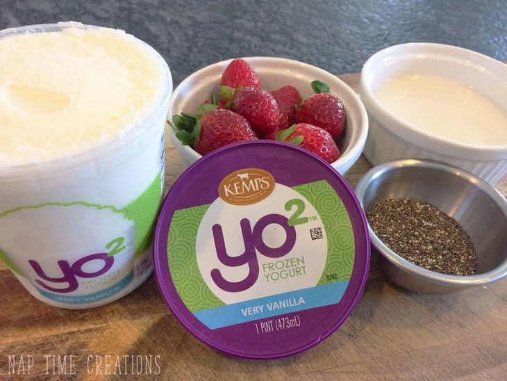 Protein Berry Milkshake with Frozen Yogurt