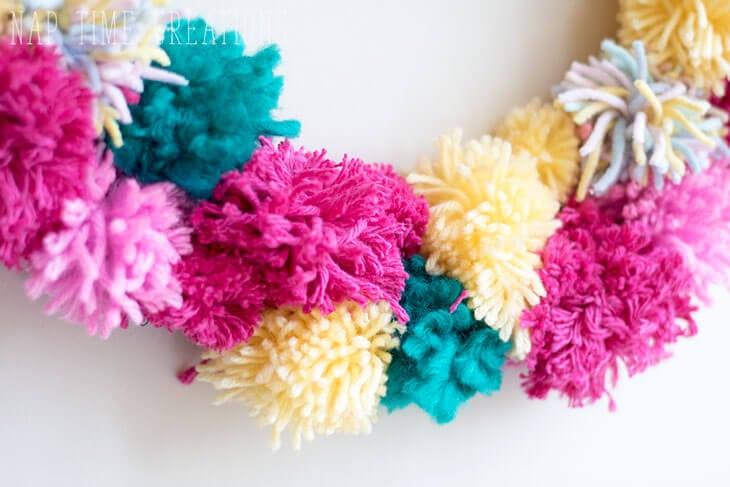 make a pom pom wreath