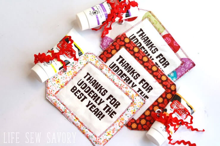 End of Year Teacher Gifts - Fabric-Gift-Tag-with lotion for easy DIY gift