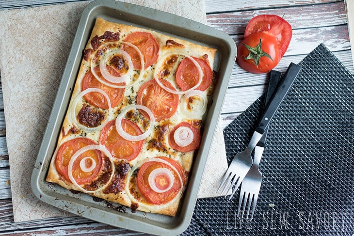 puff pastry appetizers with tomato and pesto