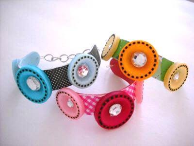 button popsicle bracelet summer kids crafts