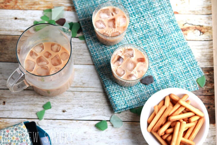 iced chai tea latte drink