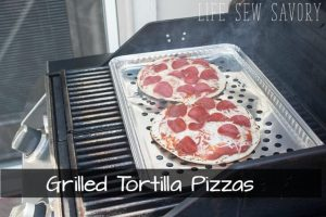 Grilled Tortilla Pizza – Easy Summer Recipe