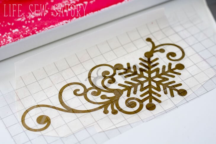 Christmas craft with vinyl and canvas