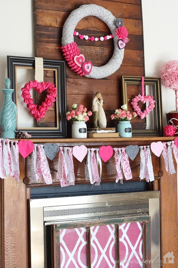 Fabric and felt rag valentines bunting