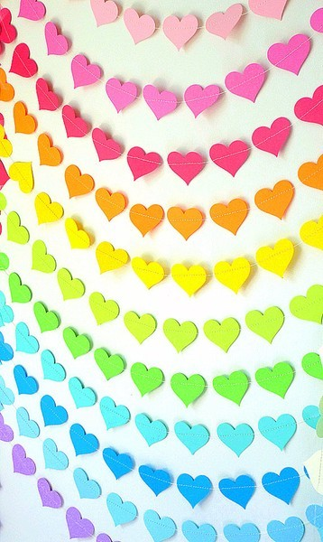 felt heart garland wall