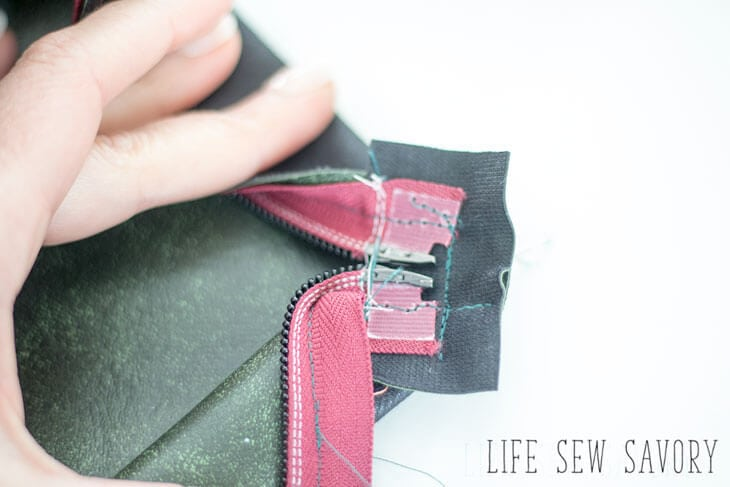 DIY zipper pouch finish ends