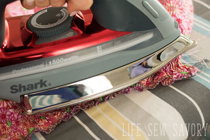 sewing with elastic thread tutorial