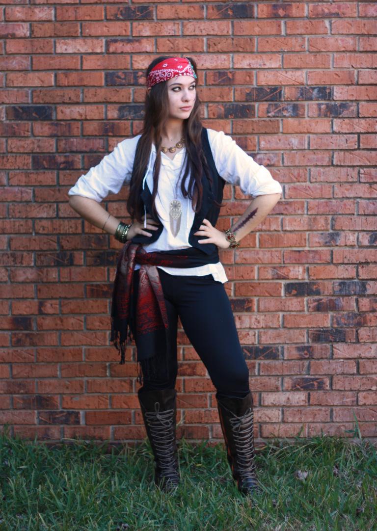 Easy DIY Halloween Costumes with Leggings