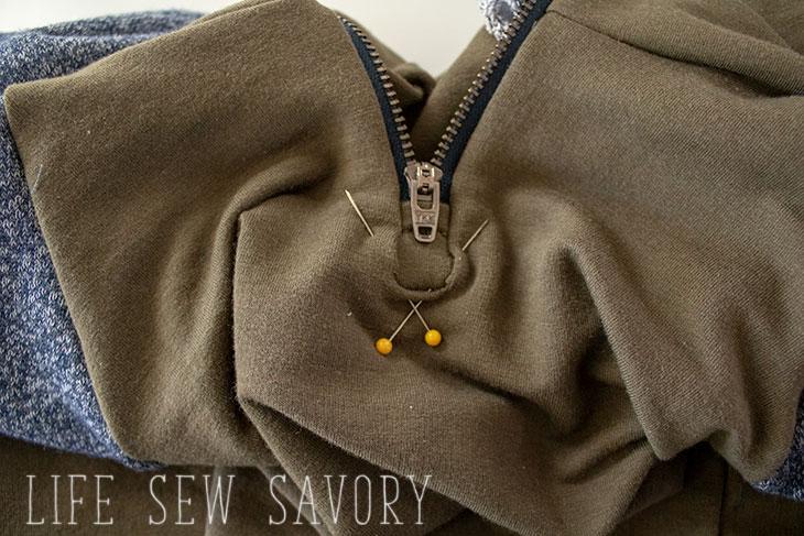 zipper collar