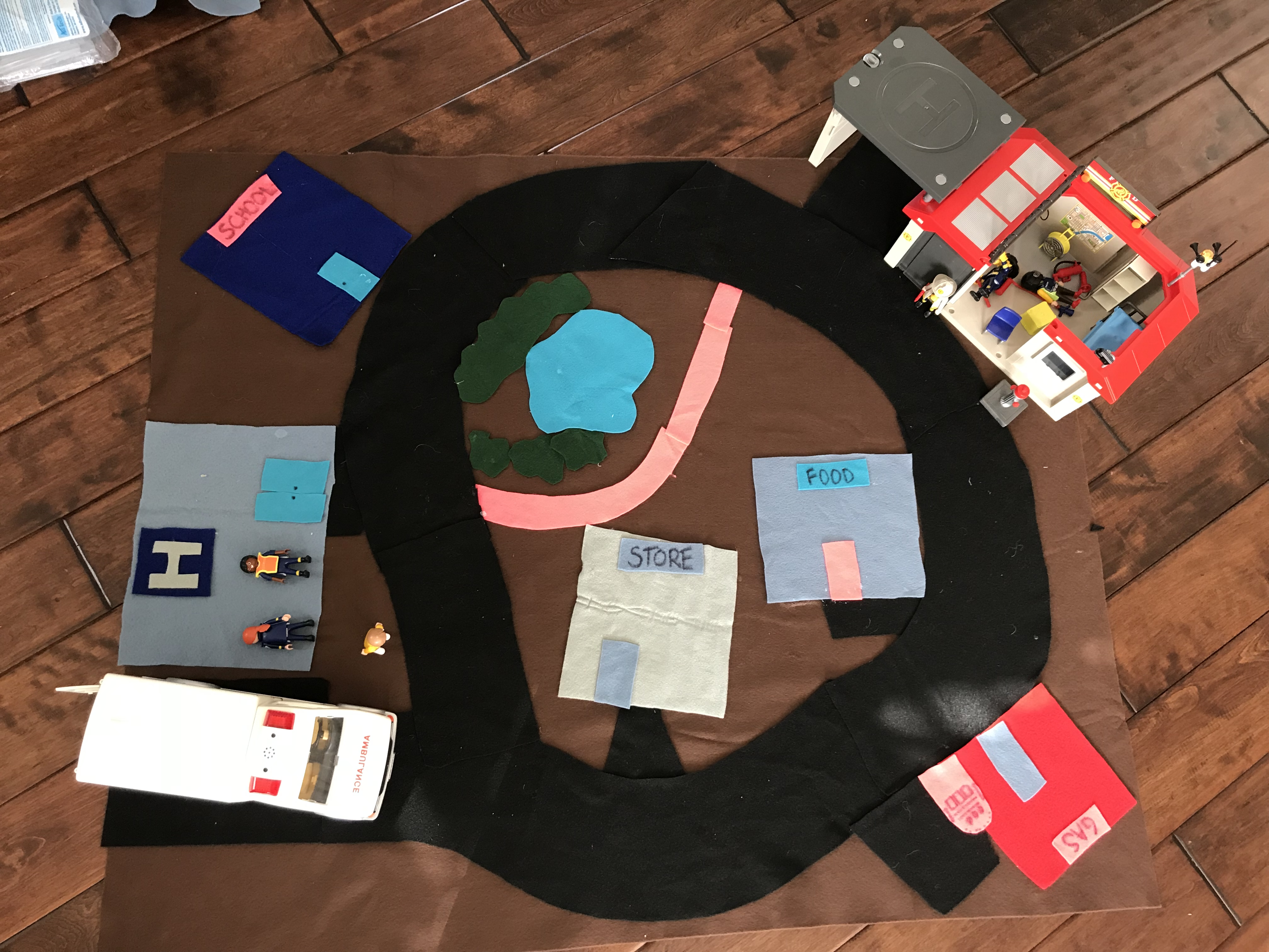 DIY kids felt playmat