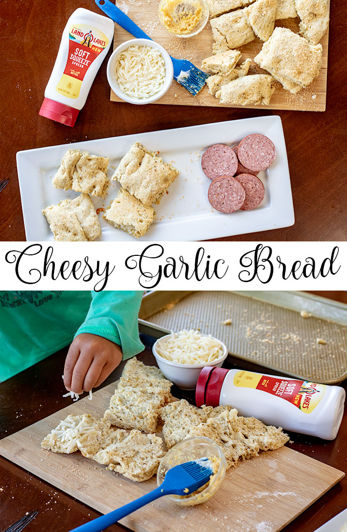 cheesy garlic bread easy kids recipe from Life Sew Savory