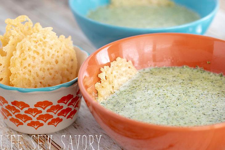 broccoli leek low carb soup