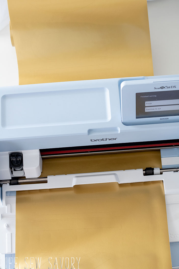 How to use the Scan N Cut Roll Feeder