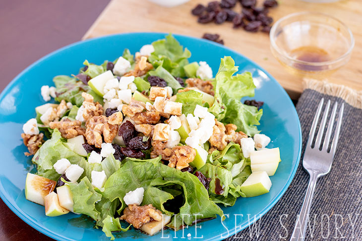 Winter salad recipe with feta and nuts