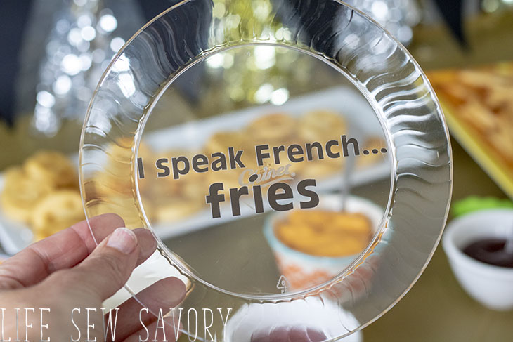 I speak French.... fry plates with free vinyl cut file