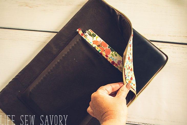 padded laptop sleeve DIY sewing tutorial