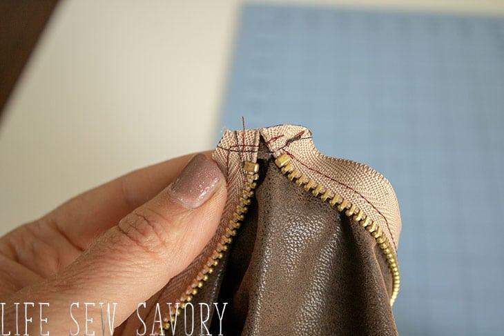 zipper trim